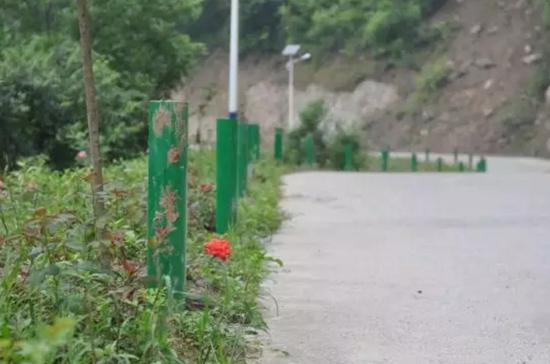 十堰市张湾区农村公路上生命防护工程设施