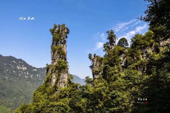 清江方山位于湖北宜昌长阳县城近郊,占地面积60平方公里。