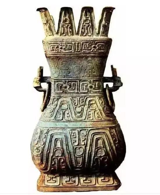 △曾中斿(音yóu,由)父铜方壶