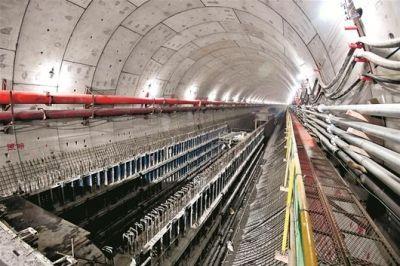 武汉地铁7号线顺利横穿长江 有望年内开通运营