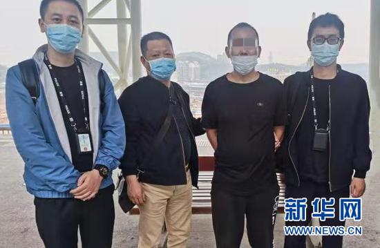 5任民警接力追击 17年逃犯终落网