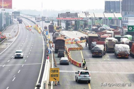 货车15秒过站!湖北荆岳大桥省界站开启前置缴费