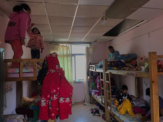 子墨艺高彝族女孩的住处。澎湃新闻记者 张维 图