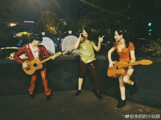 吉庆街 photo by @朱的的小姑娘