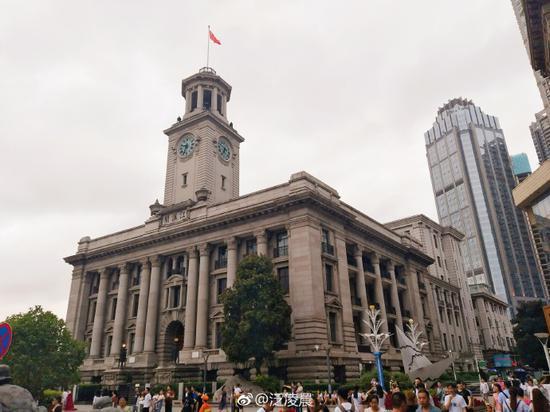 江汉路步行街 photo by @泛凌晨