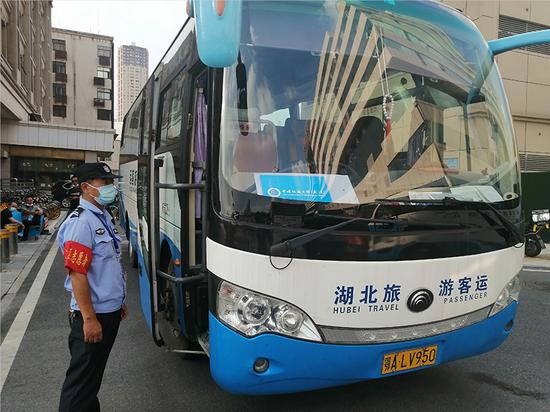 汉口火车站精心服务 助力高校学子平安返校