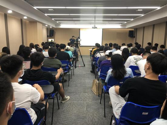 荆楚社科讲坛走进武汉体育学院