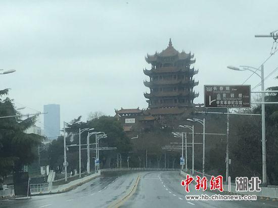 1月23日,实施交通管制后的武汉街头 张芹 摄