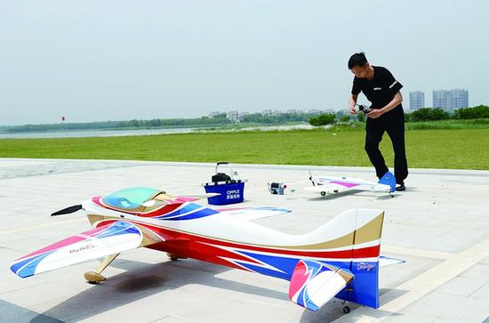 橡筋动力飞机模型 ppt