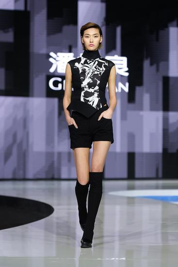 中国金顶设计师潘怡良2016春夏最新作品主秀