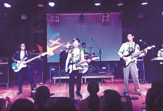 5名高中生办音乐节 为农村小学筹款