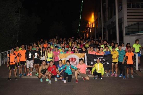 汉口江滩夜跑