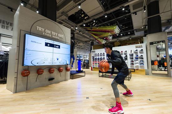 江汉路耐克体验店重装开业 运动体验服务升级图片