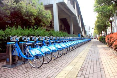 今年武汉公共自行车将新增1000个站点。