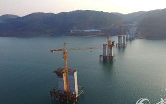 湖北第二高大桥施工