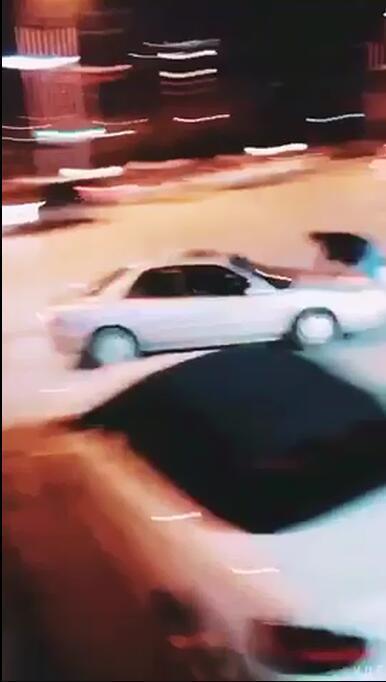 恩施迎宾大道发生驱车撞人事件
