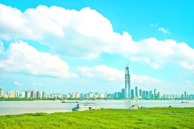"""""""武汉蓝""""刷爆朋友圈 7月武汉空气质量优良率超90%"""