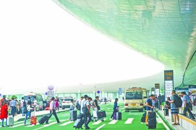 天河机场T3航站楼昨天正式开门迎客
