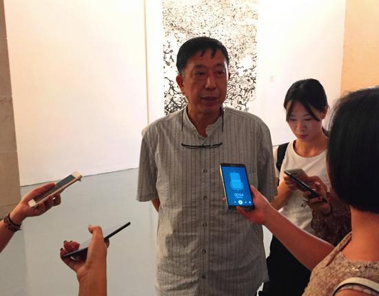 武汉美术馆馆长樊枫接受采访