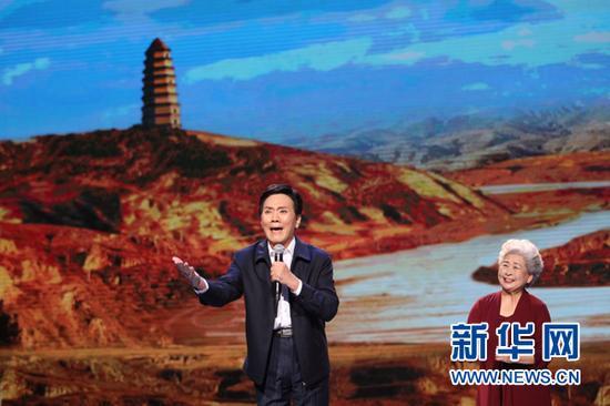第五届中国诗歌节开幕式诗歌诵读剧照(付蓓蓓 摄)