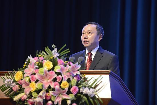 恩施州委副书记、州长刘芳震致欢迎词
