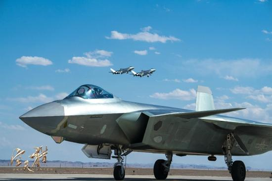 《空天猎》电影中空军先进装备