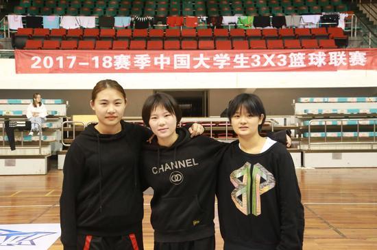 """女子组""""Sakura""""篮球队"""