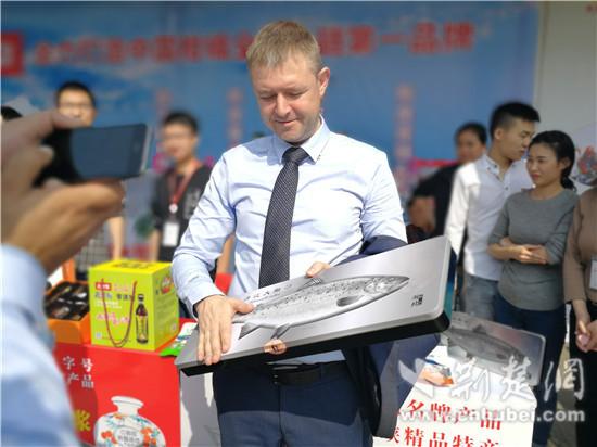 宜昌本土特色农产品受青睐