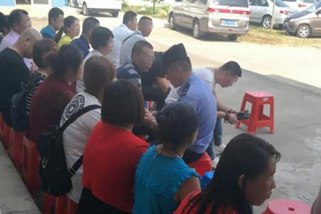 湖北六旬老汉潜入传销救女遭拒 女儿:不想放弃