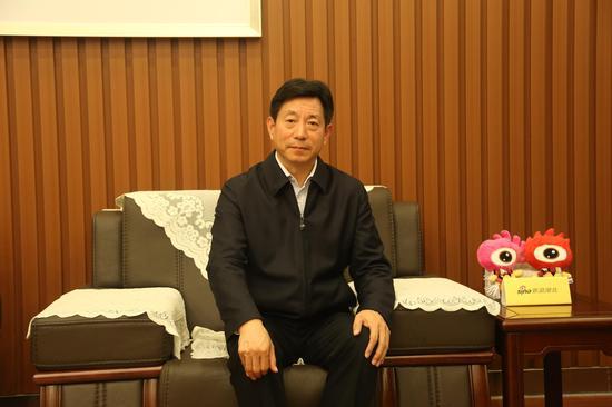 图为武当山旅游经济特区工委书记、管委会主任吴先锋