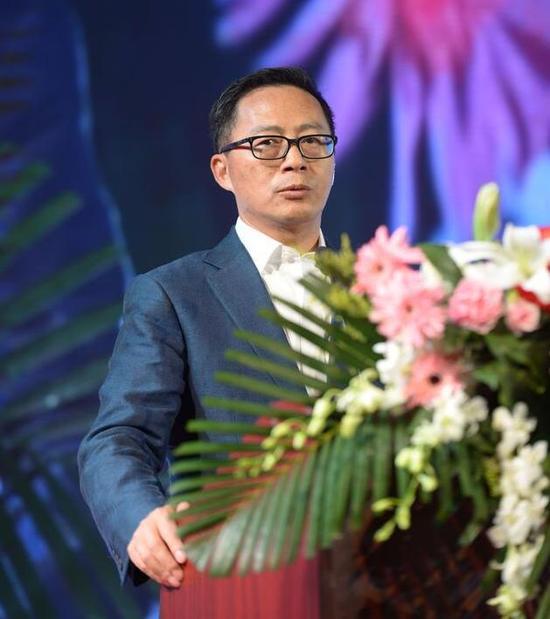 信中利集团董事长汪潮涌发表演讲。见习记者唐景淇摄
