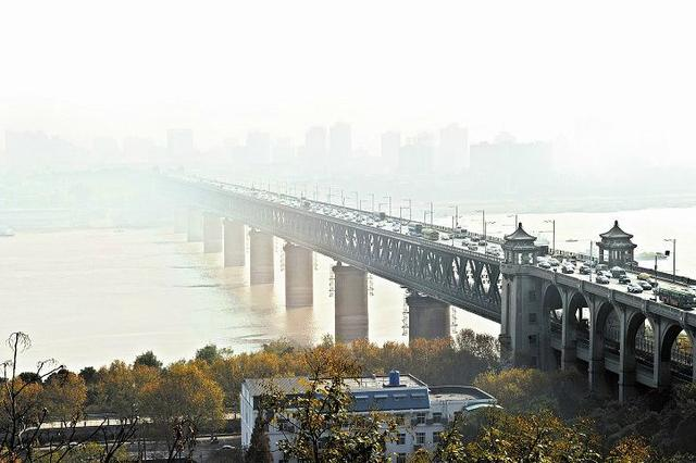 拒不执行大气污染临时管控 武汉将最高开10万元罚单