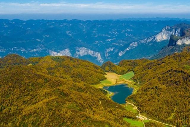 航拍女儿湖 镶嵌在恩施大峡谷里的一颗明珠