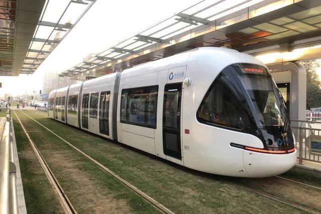 武汉光谷有轨电车今日开通试运营 全程一票制
