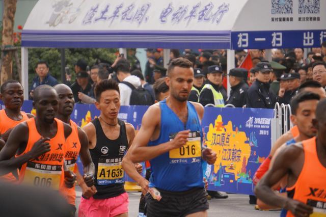 2018武汉马拉松今日鸣枪 2万余名选手准时开跑