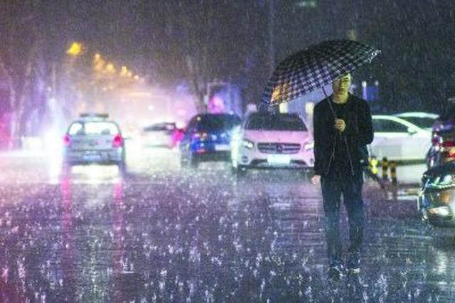 7级北风相伴雷雨今袭江城 高温将回落至24℃