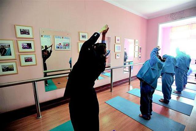 武汉第一拘留所开放日侧记:感化失足女性的特殊学校