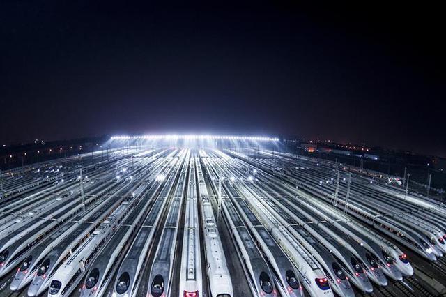 五一热门方向火车票难求 武铁加开首批临客176趟