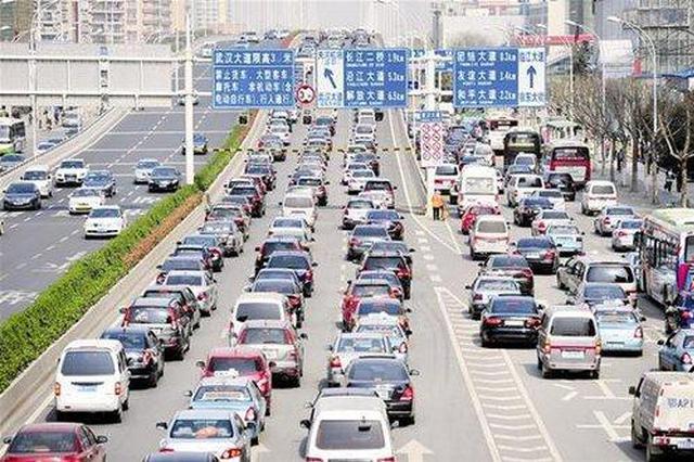 武汉交管部门预计明日大雨 将是本周最堵的一天