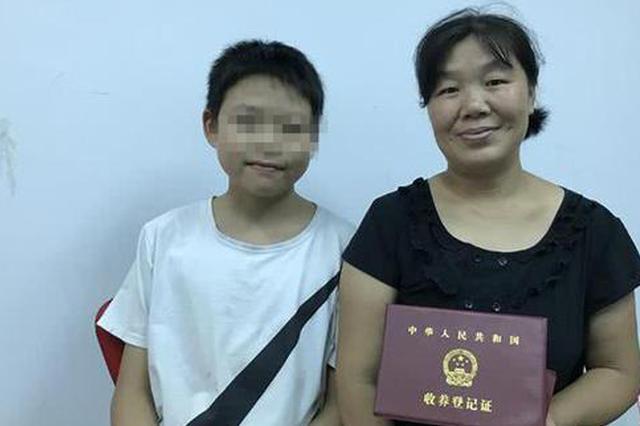 湖北5旬农妇替子寻亲:自己老了 希望他获得更好的教育