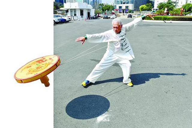黄石老人让空竹抖进校园 不仅能健身还能玩出新花样
