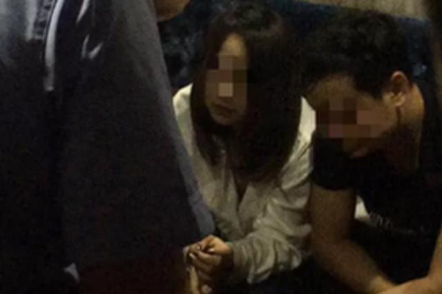 黄石一农庄深夜传出音乐 警察当场抓获9名吸毒男女