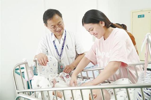 """90天""""爱""""的守护 出生3.9斤早产肠闭锁患儿奇迹康复"""