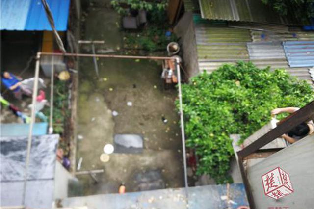 武汉64岁爹爹从家中阳台坠亡 警方已介入调查(图)
