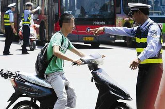 武汉三环内摩托违禁行驶反弹 交警重点查处已拘5人