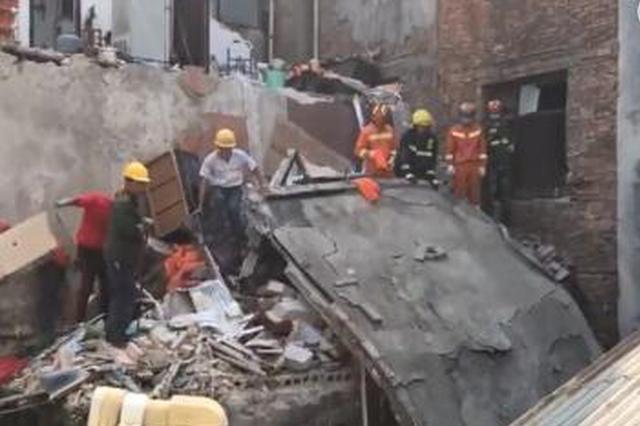 武漢一民房因煤氣罐爆燃坍塌 造成3死2傷