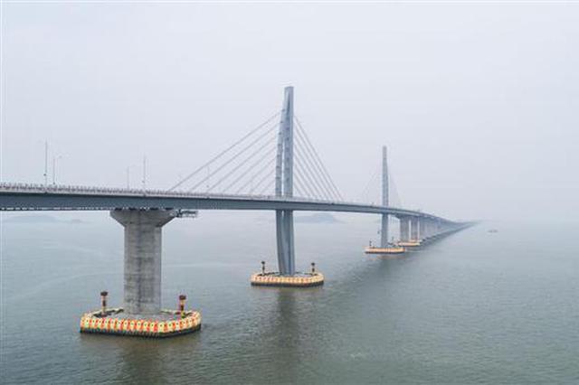 港珠澳大橋建成通車 在鄂央企立下漢馬功勞(圖)