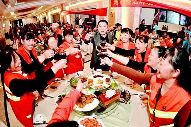 陽邏愛心企業家宴請220名環衛工 已連續十年自掏腰