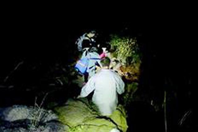4驴友被困民警深夜救人 黄陂每年10多起类似事件