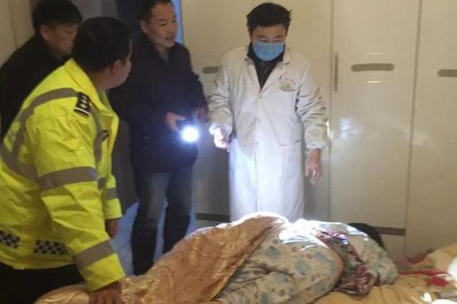 京山一家四口凌晨煤气中毒 民警撬门入室紧急施救